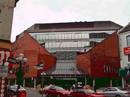 Biblioteca central de Toronto. Foto subida desde la red de bibliotecas de San Sebastián