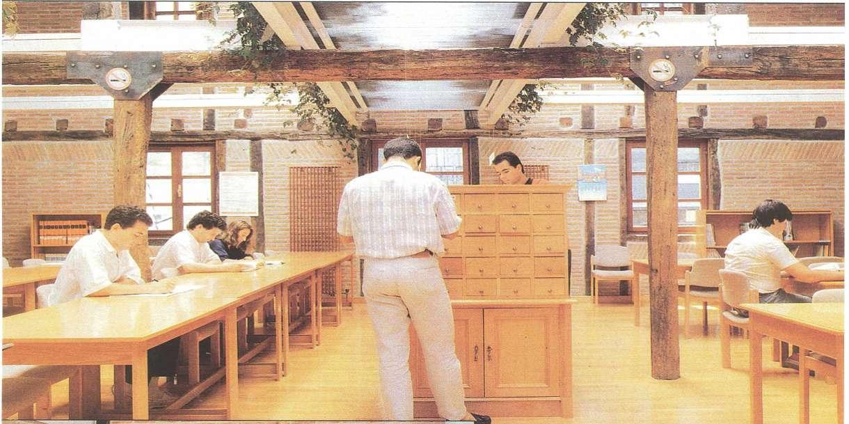 Biblioteca de Larrotxene en Intxaurrondo San sebastián en 1987