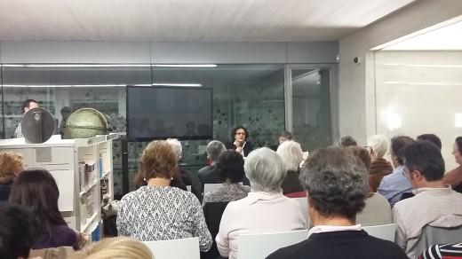 Escritora Amel Chaouati en el homenaje a Assia Djebar